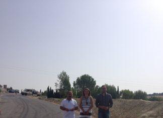 Visita obras de adecuación carretera que une Peal de Becerro y Toya.