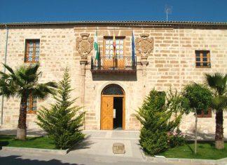 Fachada del ayuntamiento de Jabalquinto.