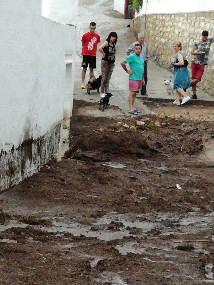 Así ha quedado una de las calles de Pegalajar tras la tormenta del fin de semana.