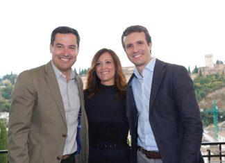 Maribel Lozano con el presidente del PP de Andalucía y el PP Nacional, Juanma Moreno y Javier Casado.