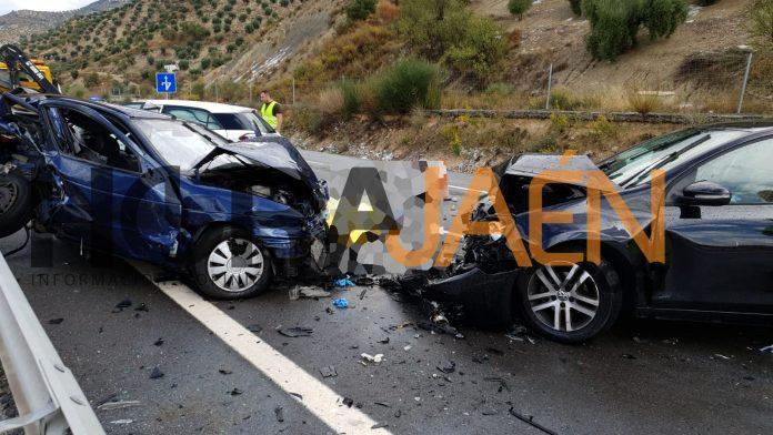 Accidente en Campillo de Arenas en la A-44. FOTO: HoraJaén