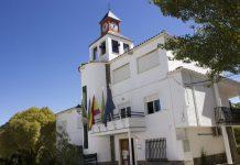 Fachada del ayuntamiento de Frailes.