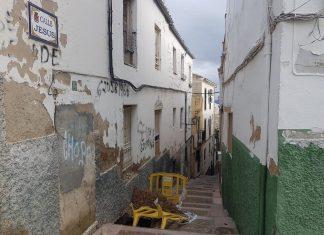 Imagen de la calle Jesús donde ha sido desalojada una familia. FOTO: HoraJaén
