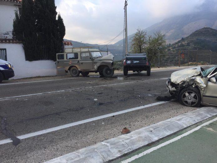 Estado en el que han quedado los dos vehículos. FOTO: HoraJaén