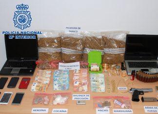 Droga, dinero y material incautado en la operación.