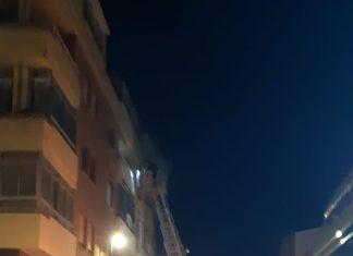 Incendio de una vivienda en Bailén. FOTO: Tomás Araque