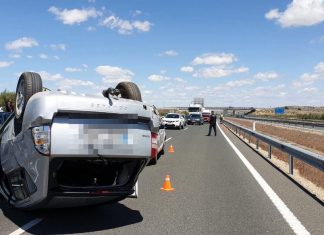 Accidente en la A-44 a la altura de Jaén. FOTO: Policía Local de Jaén