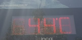 Reloj termómetro durante este verano en Jaén.
