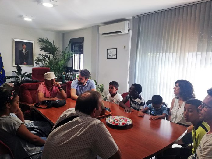 Reunión de Juan Francisco Serrano con la asociación de niños saharauis.