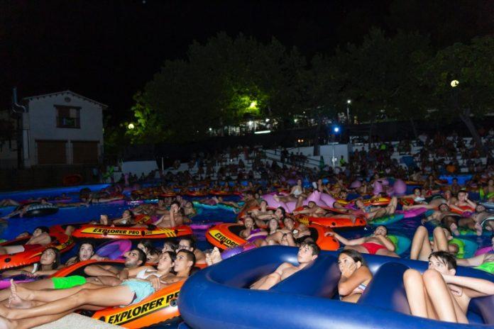 Espectadores de la primera sesión de Aquasión. FOTO: CARMEN GALLEGO
