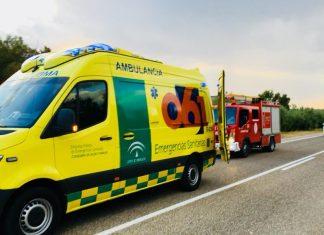 Bomberos y ambulancia en el lugar de los hechos. FOTO: Bomberos de Jaén