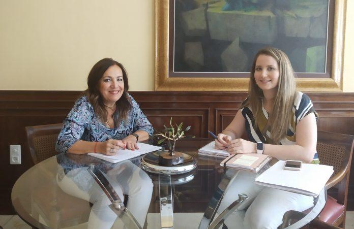 Reunión con alcaldesa de Los Villares