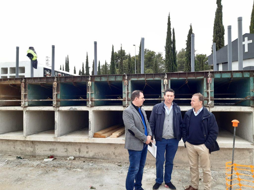 Construcción de 180 nuevos nichos en el cementerio municipal de San Fernando - HoraJaén