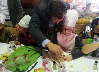 Desayuno escolar con AOVE organizado por UPA-Jaen en Almeria.