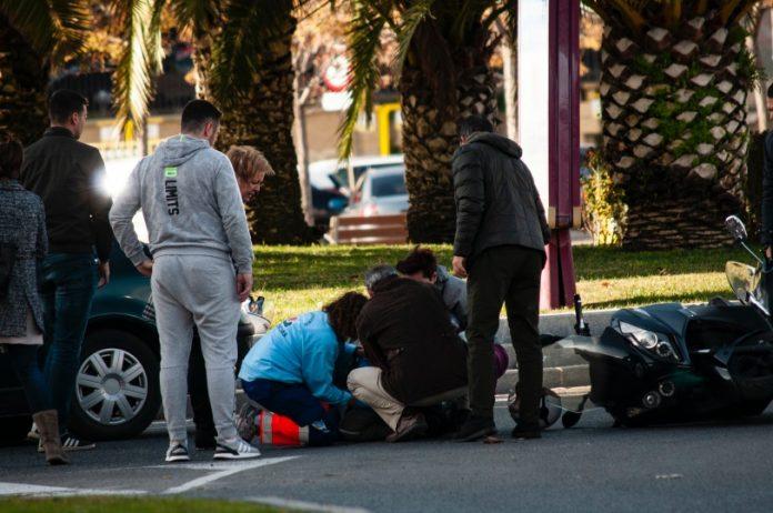Imagen del accidente de ayer en la plaza Jaén por la Paz. FOTO: Juan Pablo Jiménez Serrano.