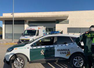 La mujer desaparecida ha sido traslada al centro de salud de Torredonjimeno. FOTO: Subdelegación del Gobierno