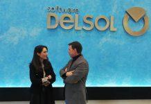 Mónica Moreno e Ildefonso Ruiz en la empresa Software DELSOL.