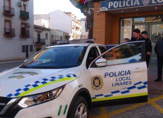 Presentación de un nuevo vehículo de policía local de Linares.