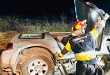 Los bomberos han participado en el rescata de una persona del interior del vehículo. FOTO: Bomberos de Jaén