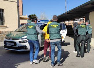 Imagen de los dos detenidos por la Guardia Civil.
