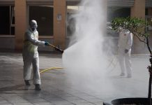 La UME en las calles de Jaén desinfectando.