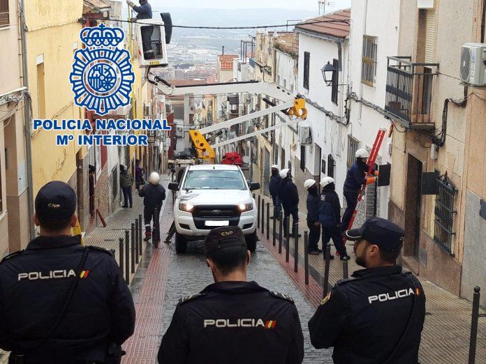 Policía Nacional detecta hasta 18 enganches ilegales en Jaén.