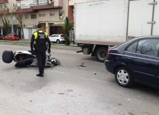 Estado de la moto tras el accidente. FOTO: HoraJaén
