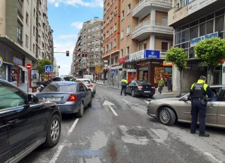 Control de Policía Local en una calle de Jaén.