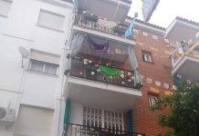 Imagen de uno de los balcones decorados.