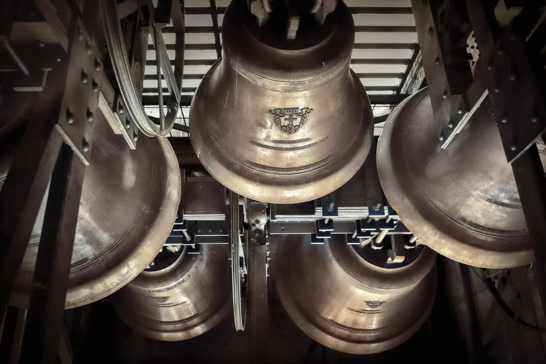 Repique de campanas para anunciar la Resurrección y la Esperanza ...