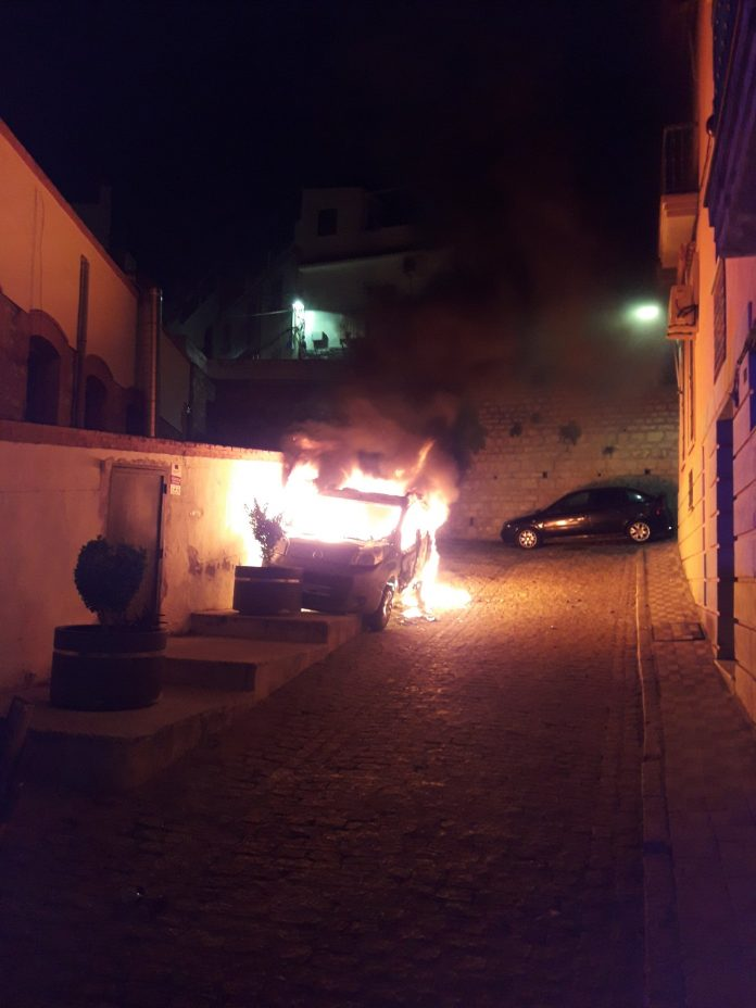 Estado en el que quedó el vehículo. FOTO: P.L.