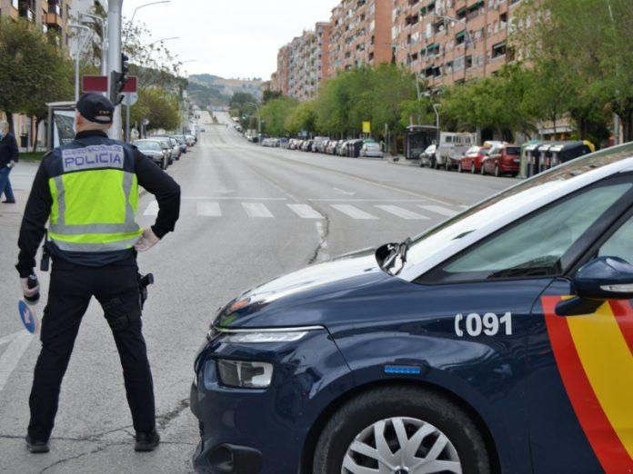 Control de la policía en Avenida de Andalucía. FOTO: HoraJaén