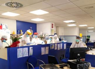 Profesionales sanitarios en el hospital de Jaén. FOTO: Hospital