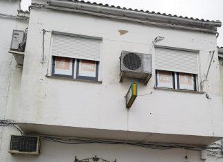 Pintada en la fachada del PSOE en Torreblascopedro.