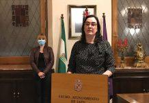 La concejal del ayuntamiento de Jaén, María Orozco, en rueda de prensa.