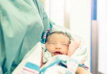 Recién nacido en el hospital de Jaén. FOTO: Ana SweetShot