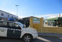 Guardia Civil en el punto limpio de Martos.