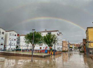 Arco iris visto desde el barrio de Peñamefécit. FOTO: Peragón