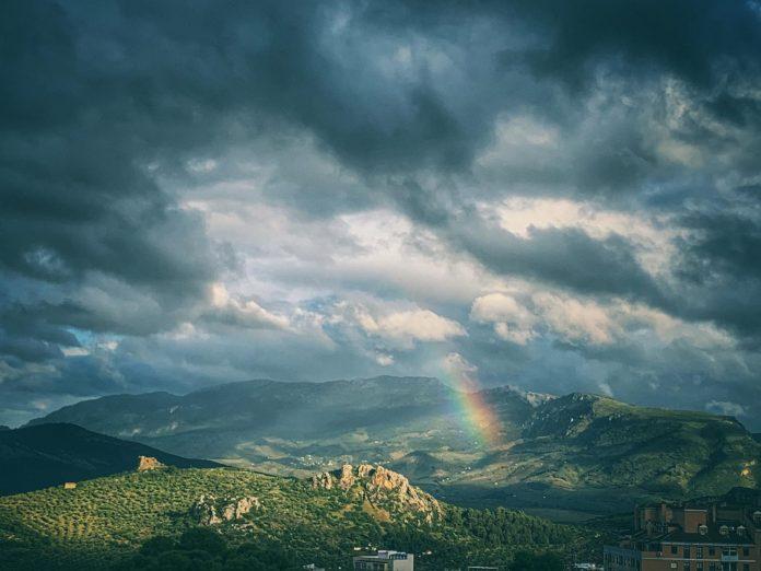 Así lucía el cielo, esta mañana, en la provincia de Jaén. FOTO: Peragón