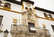 Fachada del ayuntamiento de Alcaudete.