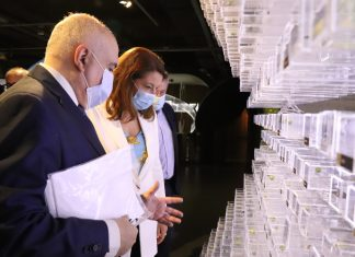 La consejera de Agricultura, Carmen Crespo, ha resaltado el respaldo que ofrece la Junta de Andalucía a los proyectos de modernización de explotaciones e industrias del sector del olivar andaluz