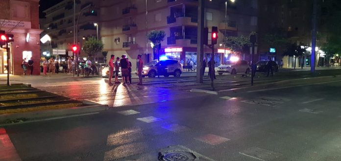 Guardia Civil y Policía en el lugar de la agresión. FOTO: HoraJaén