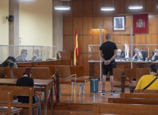 Los acusados en la sala de vistas de la Audiencia Provincial de Jaén. FOTO: Peragón