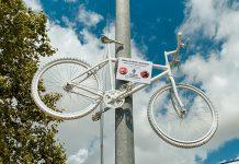 Bicicleta Blanca que se ha instalado en homenaje a Ismael Valcárcel.