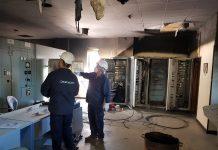 Trabajadores de Endesa en la subestación eléctrica trabajando para solventar la incidencia.