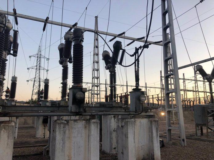 Transformador afectado por el incendio en la subestación eléctrica de Andújar.