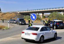 Control policial a la entrada de Bailén. FOTO: El Observador